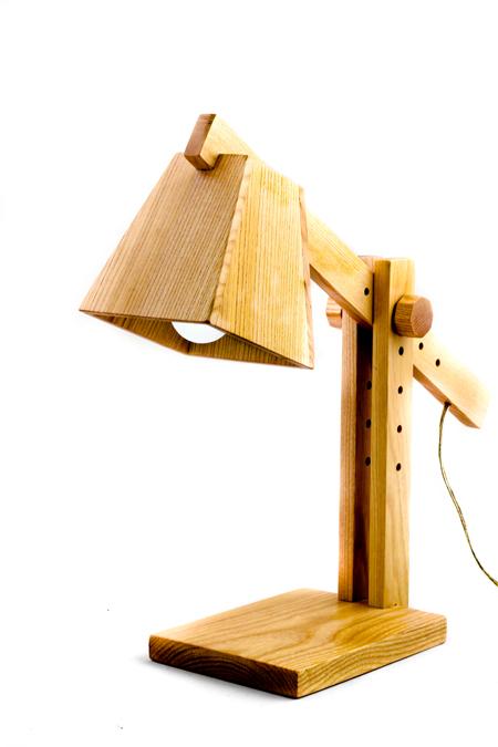 Lampa din lemn by Wamps