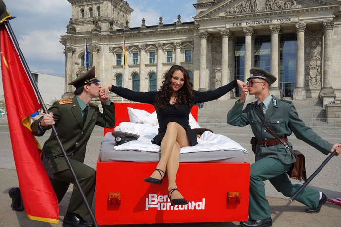 Cum e sa vezi Berlinul din pat designist 06