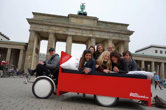 Cum e sa vezi Berlinul din pat designist 07