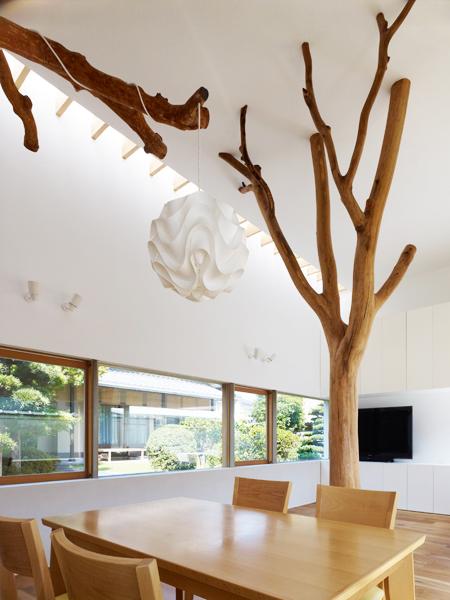 Casa cu copac designist 08