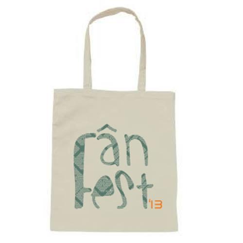 Design romanesc pentru Fan Fest designist 02