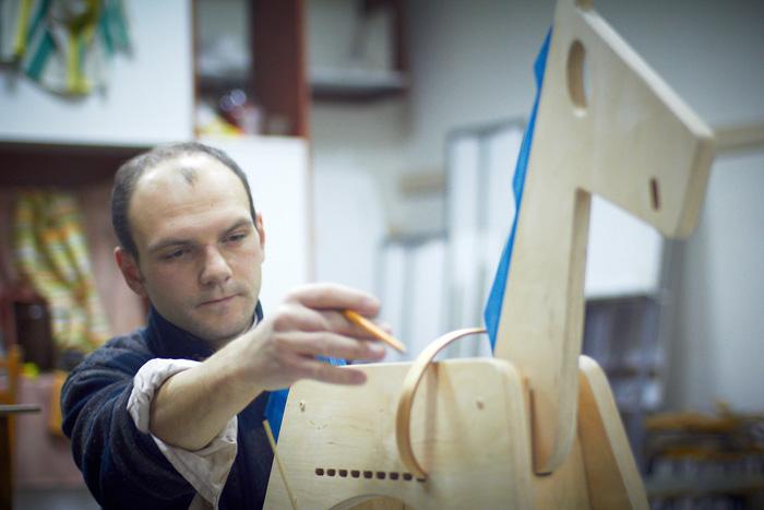 Designeri romani de obiect indragostiti de lemn designist 10