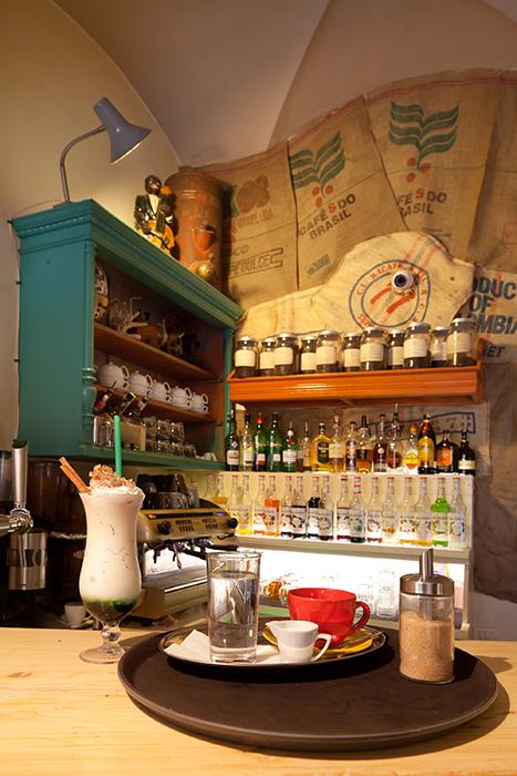 Colaj Cafe - Brasov - Designist (14)