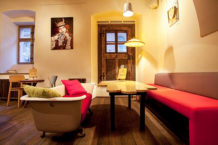 Colaj Cafe - Brasov - Designist (5)