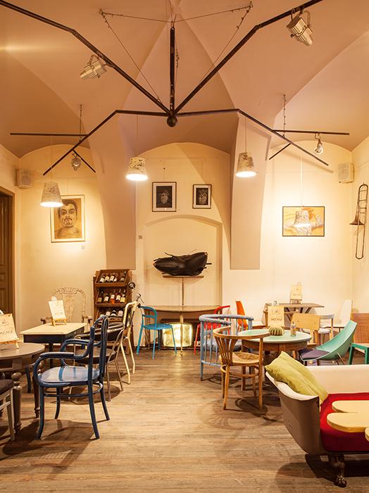 Colaj Cafe - Brasov - Designist (8)