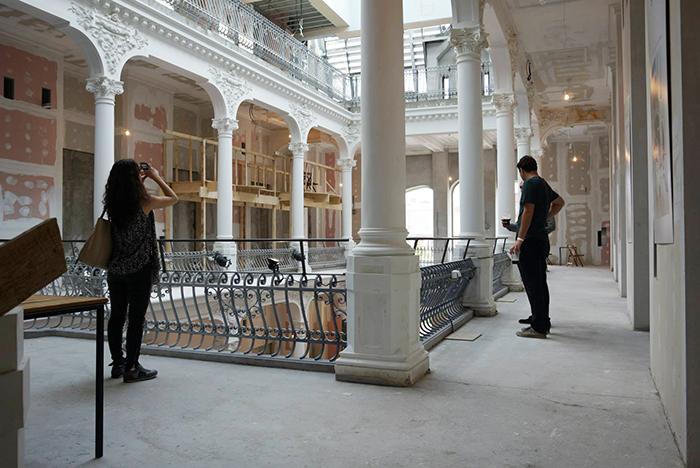 Noua librarie Carturesti - centru vechi - Designist (2)