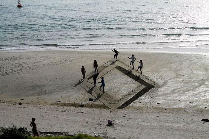 Arta pe plaja - Designist (8)