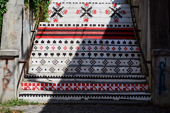 Scari din Targu Mures - motive traditionale - Designist (1)