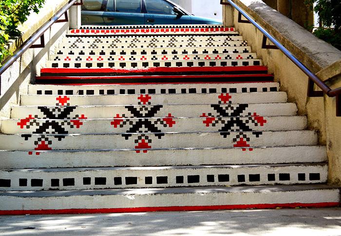 Scari din Targu Mures - motive traditionale - Designist (2)