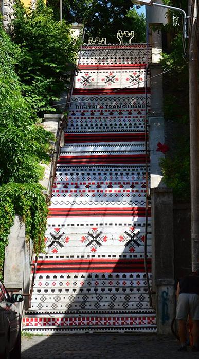 Scari din Targu Mures - motive traditionale - Designist (3)