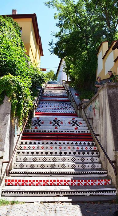 Scari din Targu Mures - motive traditionale - Designist (4)