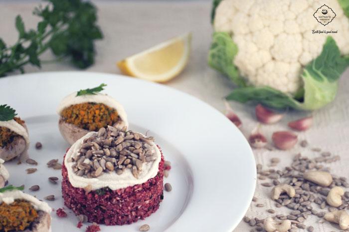 Samsara foodhouse 02 orez din conopida cu sfecla rosie si ciupercute umplute specialitate raw-vegana