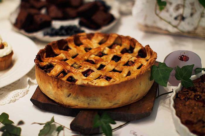 1.tarta cu mere si afine