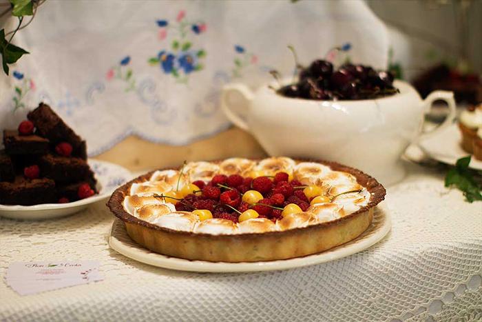 1.tarta de lamaie cu bezea si zmeura
