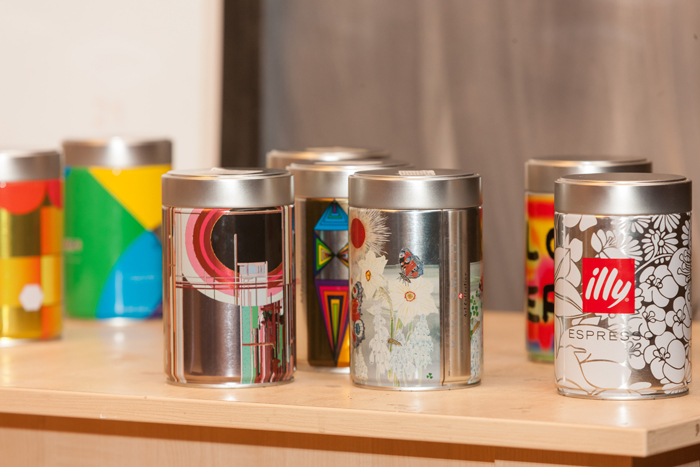 Design the illy can 1