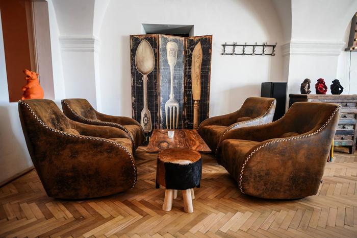 10Lilis Cafe - Sibiu - Designist