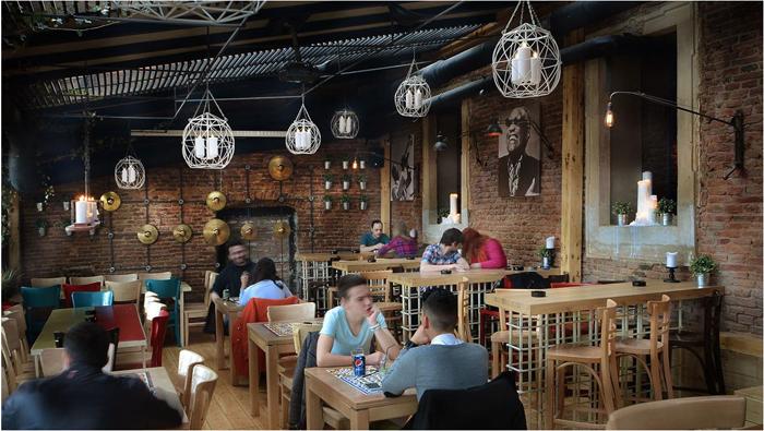 6Music Pub - Sibiu - Designist