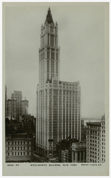 Woolworth_Building_a_New_York__carte_postale_ancienne__1913