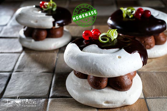 12.Chocolate-Pavlova