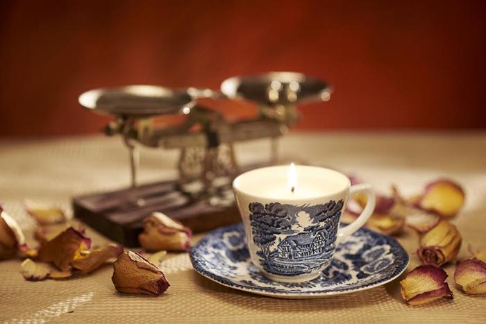 Cup & Candle_foto Radu Chindris (7)