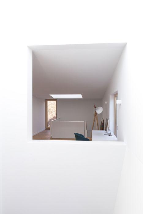 J-House_Beros-Abdul_interior_Designist2