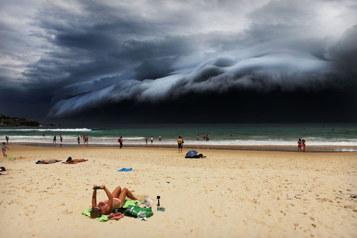 Rohan-Kelly-Storm-Front-on-Bondi-Beach_Designist