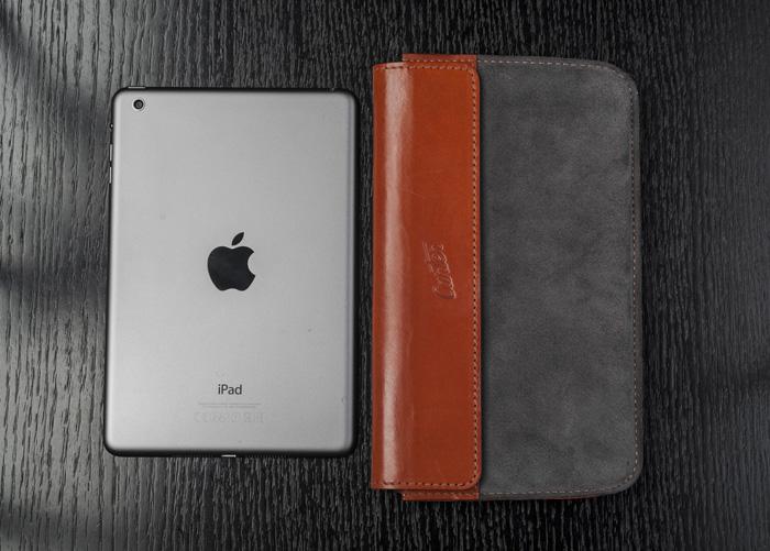 CarterGear-tablet-case-and-iPadmini-overhead-1920
