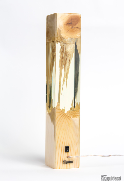 GUIDECO---Torn-lamp-09