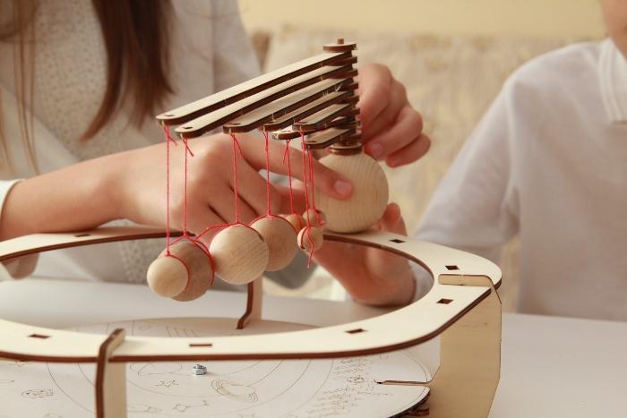 eematico lansează STEaM kits – cursuri practice de știință și creativitate bazate pe kituri de bricolaj